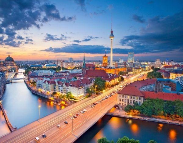 Berlin bei Nacht ein Umzug der sich lohnt